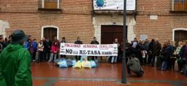 """La Calle pide """"derogar la retasa sobre las basuras"""""""