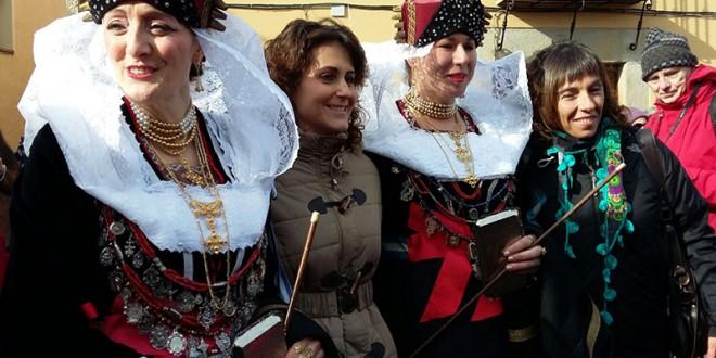 Vanesa Muela recibe el reconocimiento 'Ome Bueno e Leal' de Zamarramala