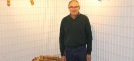 El artesano Jesús Cabeza expone su colección de instrumentos tradicionales