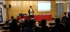El director Herminio Cardiel presenta sus cortos a alumnos del municipio