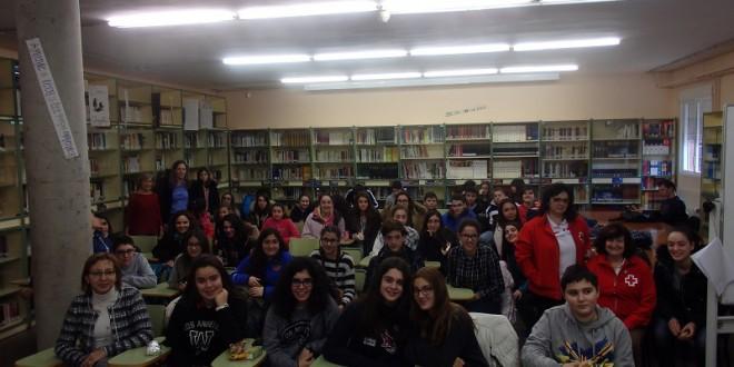 El I.ES María Moliner entrega 640 euros a Cruz Roja