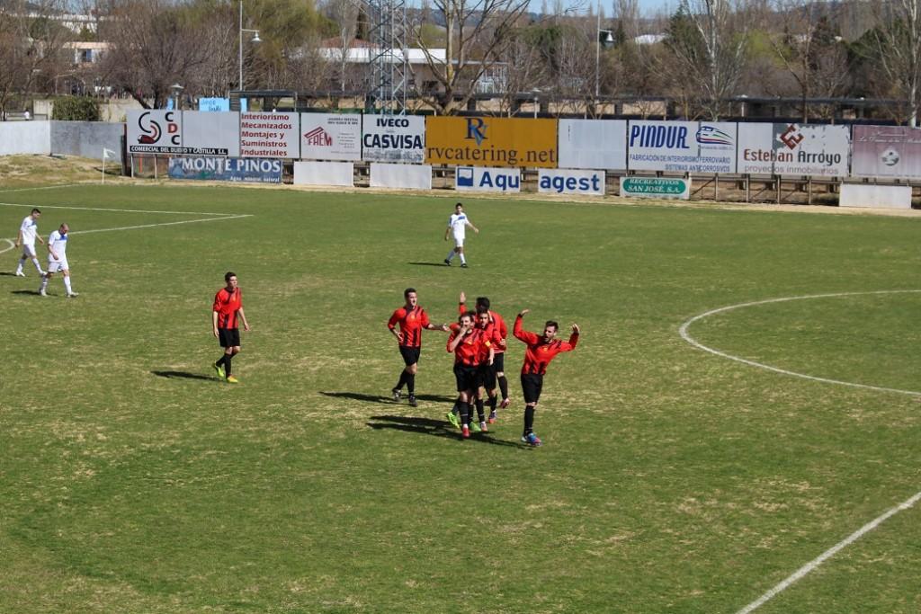 El CD Laguna celebra el 1-1