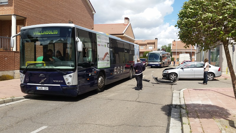 El autobús Valladolid – Laguna sufre un accidente