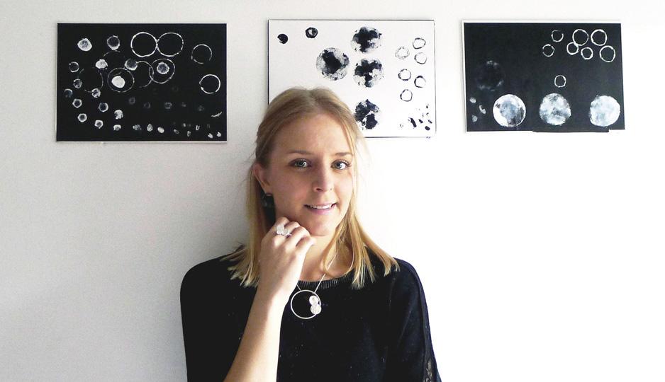 La diseñadora Chloé Herrero expone sus joyas en una de las muestras más importantes de Reino Unido