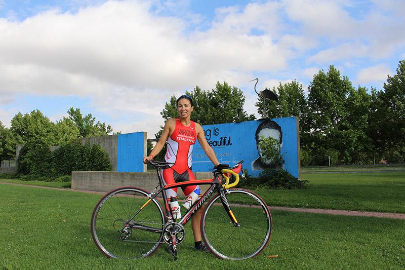 Ruth Varona, primera triatleta de la región en ir al Iron Man de Hawai