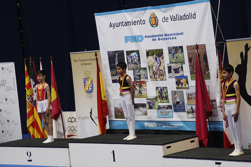 Varios metales para los gimnastas laguneros en el Campeonato de España de Trampolín