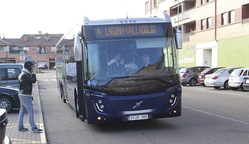 Agrede al conductor del autobús tras sufrir un accidente