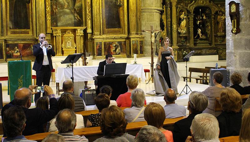 El Ateneo organiza este sábado su recital solidario de música y poesía