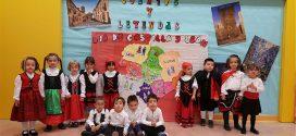 Los alumnos del CEIP Miguel Hernández celebran el Día de Castilla y León