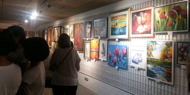 Los alumnos de pintura de Anabel Sáez exponen sus trabajos