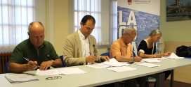 El Ayuntamiento firma el primer plan de generación de empleo y ayudas sociales