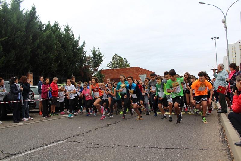 El Cross 'Laguna Corre' vuelve a aunar deporte y solidaridad