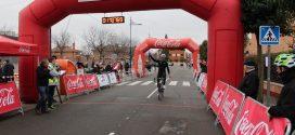 """250 ciclistas recuerdan a """"Boti y minuto"""" en la tradicional carrera del Pavo"""