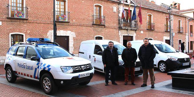 El Ayuntamiento estrena tres nuevos vehículos municipales