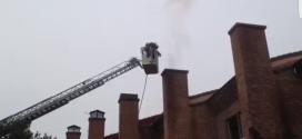 Los Bomberos de Valladolid intervienen en un incendio en la Calle Carmen Conde