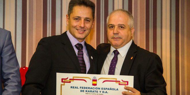 José Alonso Sobrino, galardonado por su labor pedagógica en la promoción del Kárate en Laguna