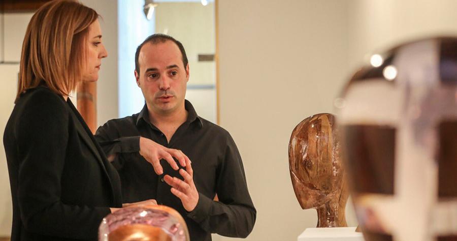 Jesús Hilera inaugura su exposición 'Fragmentos' en el Palacio Pimentel