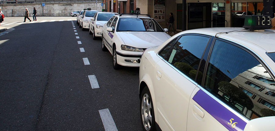 La red de paradas del taxi metropolitano de Valladolid se queda sin efecto