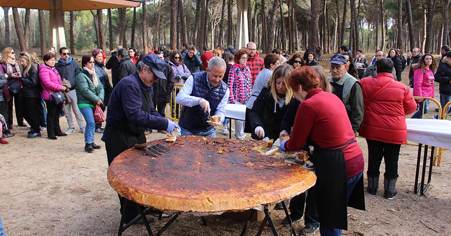 El Día de la Vieja afianza su tradición en los Valles