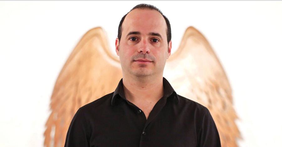 El escultor Jesús Hilera sorprende en la Feria Internacional Art!Vancouver