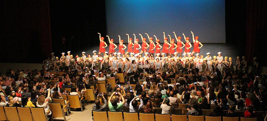 La Escuela de Danza Clásica y Flamenco despide el curso con sabor a 'swing'