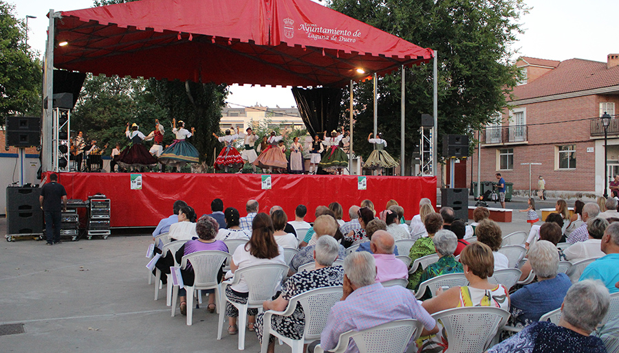 El XXII Festival Nacional de Danzas Regionales atrae a grupos de Portugal y Valencia