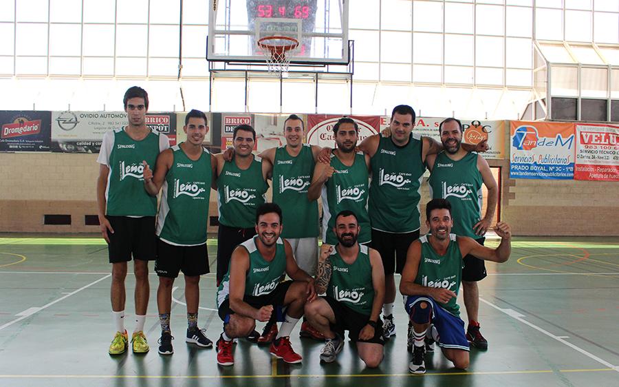 El 'Leño' logra el doblete con su victoria en el torneo de baloncesto de peñas