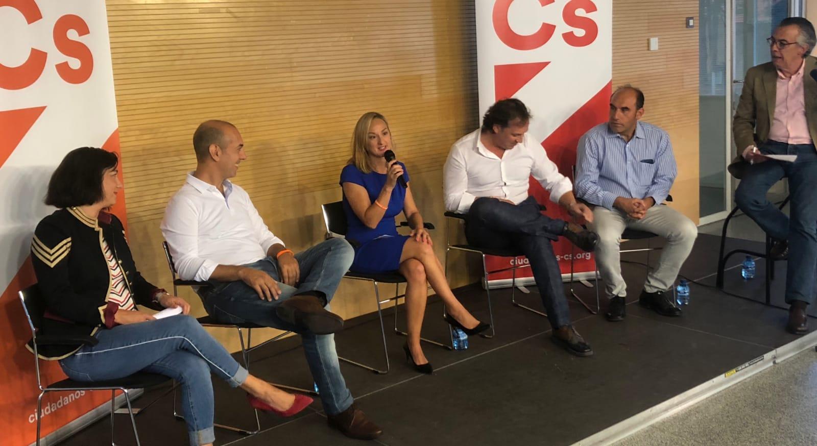 """Fuentes presenta en Laguna a Cs como un """"antídoto frente al populismo y los viejos partidos"""""""