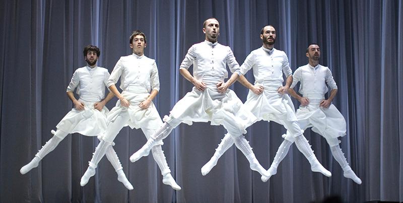 'Oskara' lleva los mitos de la danza vasca a la Casa de las Artes