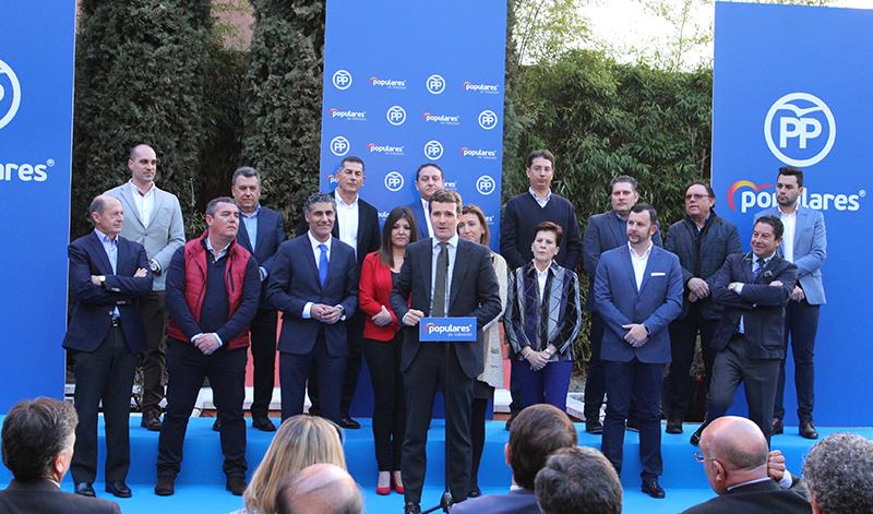 Pablo Casado presenta la candidatura de Luís Minguela junto con el resto de aspirantes del alfoz
