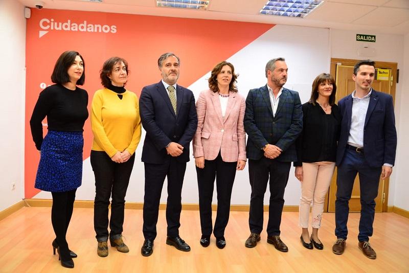 Pablo Pombo y Ana G. Bustamante irán al Senado por Ciudadanos