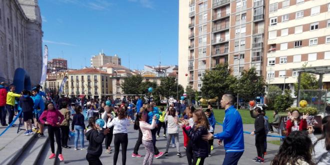 El CEIP Ntra. Sra del Villar participa en el Día de la Educación Física en la Calle