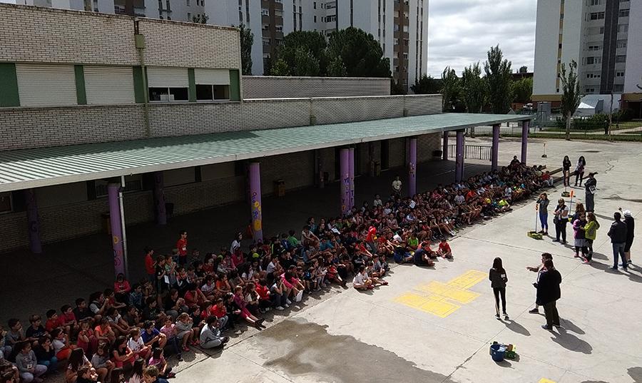 Los alumnos del CEIP Miguel Hernández despiden el curso con una macrogymkana