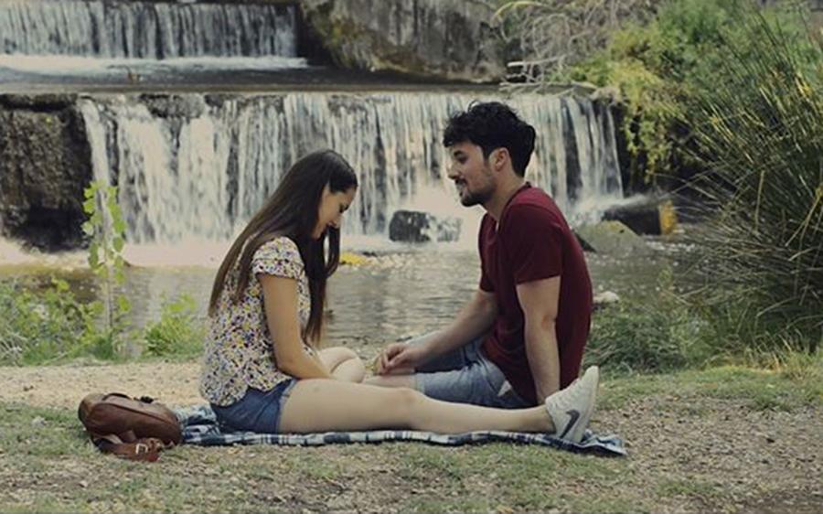 Herminio Cardiel reflexiona sobre el uso de los móviles en su último cortometraje