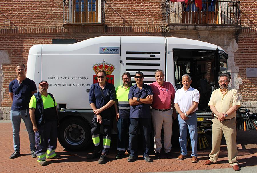 El Ayuntamiento refuerza el servicio de limpieza con una nueva barredora