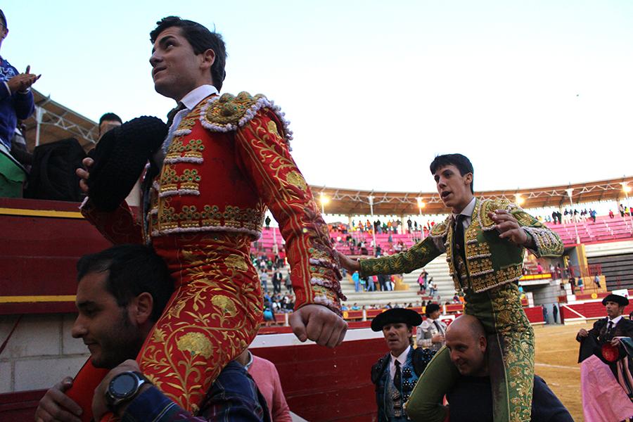El triunfo de Miguelito y Diego García pone el broche final a la Feria Taurina
