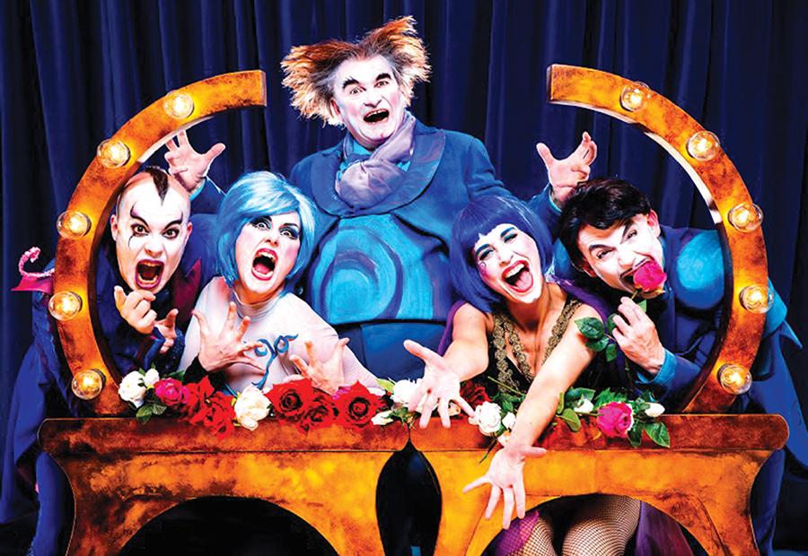 El ciclo 'Laguna Suena' llena la Casa de las Artes de comedia y música