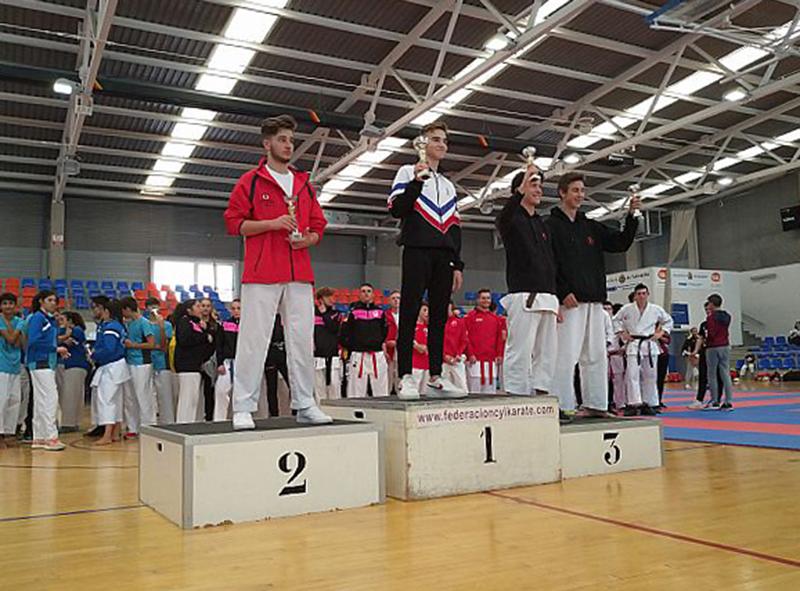 Mario Carnicero, ante el reto de despuntar en el Campeonato Nacional de kárate