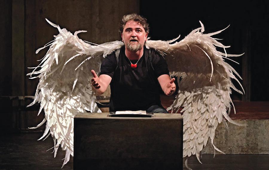 Teatro e ilusionismo ponen fin al ciclo de espectáculos de la Casa de las Artes