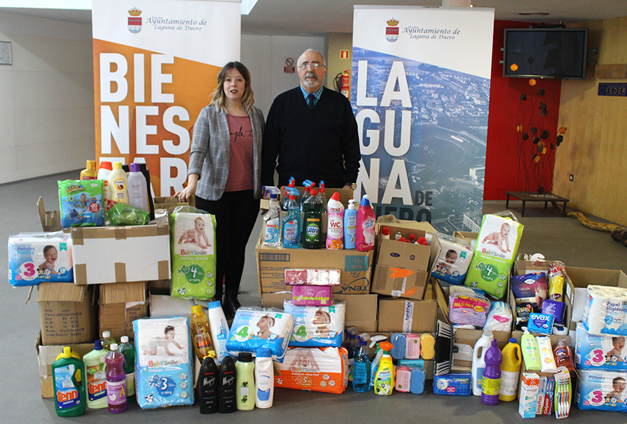 La solidaridad de los laguneros deja más de 600 productos de higiene para Cáritas