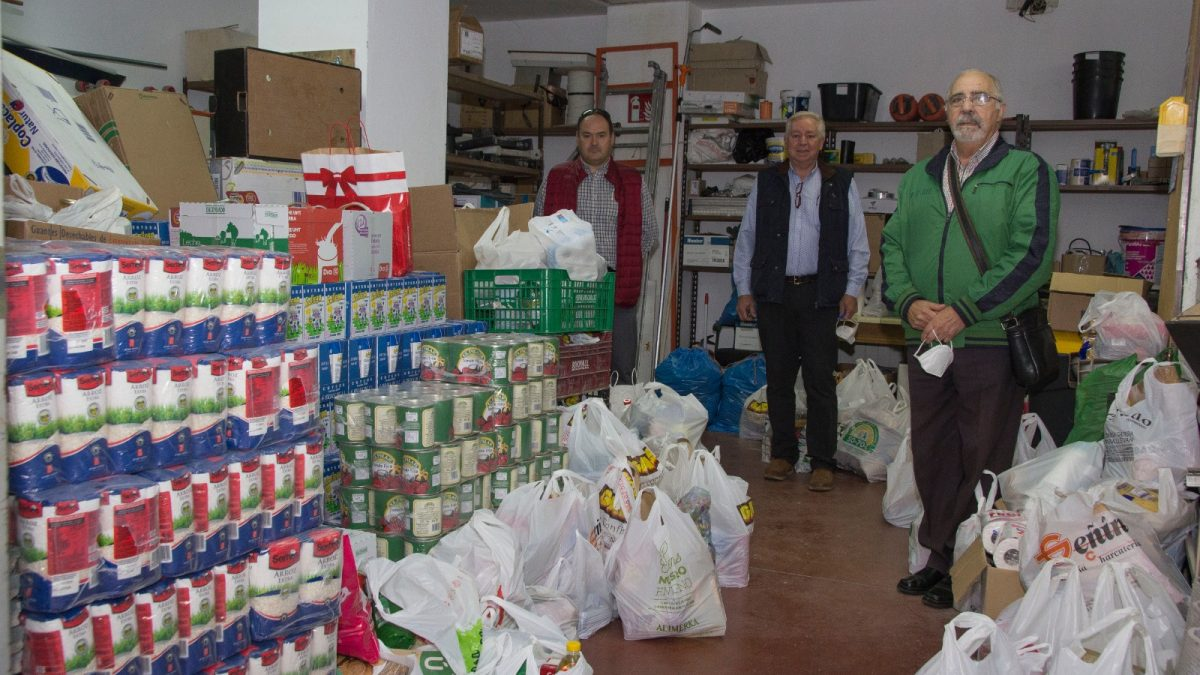 La Fase II de Torrelago hace entrega a Cáritas de 5.000 kilos de alimentos