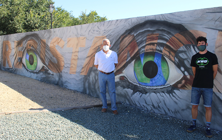 Alejandro Valero presenta dos nuevos murales reflexivos sobre el impacto del Covid-19
