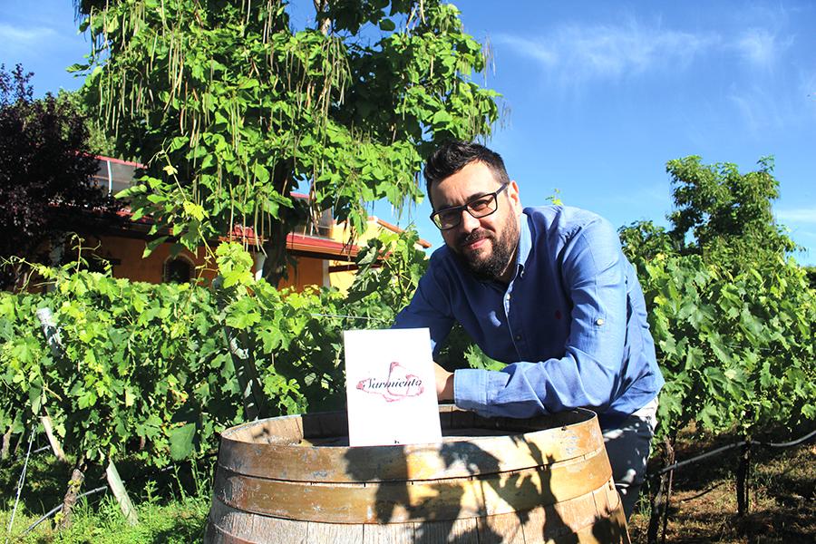 El mundo vinícola, hilo conductor de 'Sarmiento', la última novela del escritor lagunero Javier García