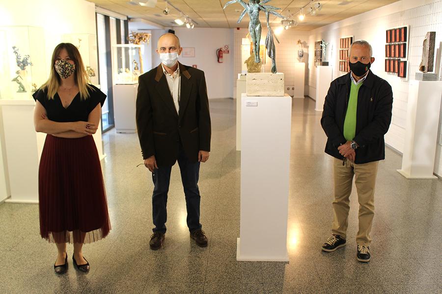 El artista Ramón Baylón lleva su universo escultórico a la Casa de las Artes
