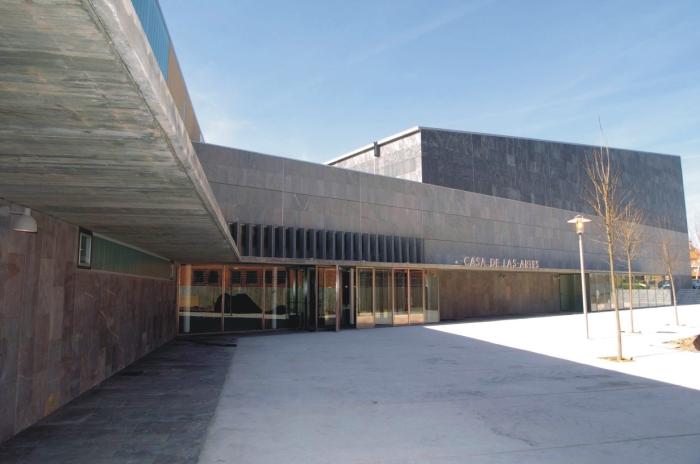Cierra la Casa de las Artes y la Biblioteca por un positivo por covid19