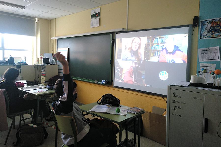Los alumnos del CEIP Nuestra Señora del Villar, inspirados por las figuras del deporte paralímpico