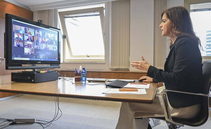 Reunión con la Junta sobre los nuevos planes de empleo local