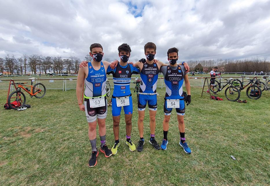 El C.D. Triatlón Laguna de Duero retoma la competición y consigue 5 medallas regionales
