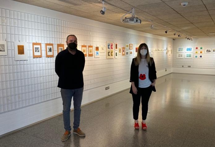 """La exposición """"Entinta 2021"""" presenta grabados artísticos y cianotipias en la Casa de las Artes"""