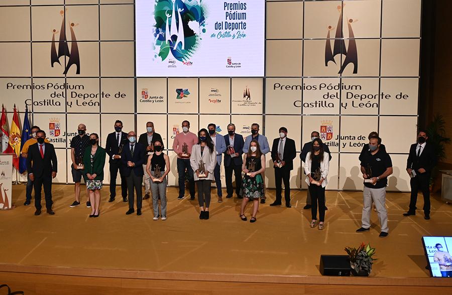 Alejandra Vallejo recibe su Premio Pódium a Mejor Deportista Promesa 2019